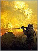 Bombeiro combateincêndio