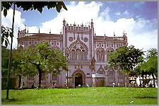 Gabinete Português de Literatura em Salvador daBahia