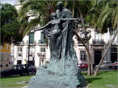 Estátua de Eça de Queirós (cópia actual, de bronze)